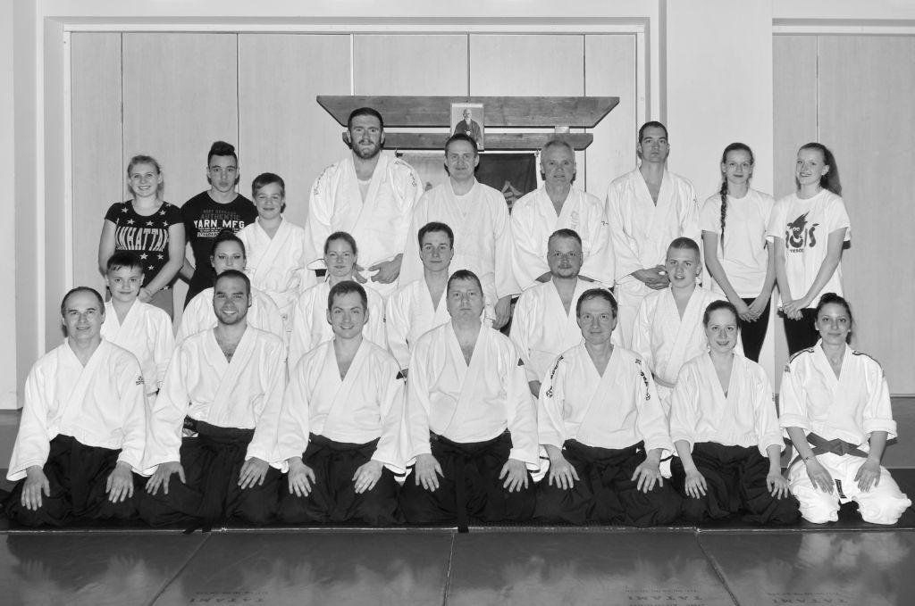 Az Aikido Mori Dojo felnőtt csoportja 2016 tavaszán